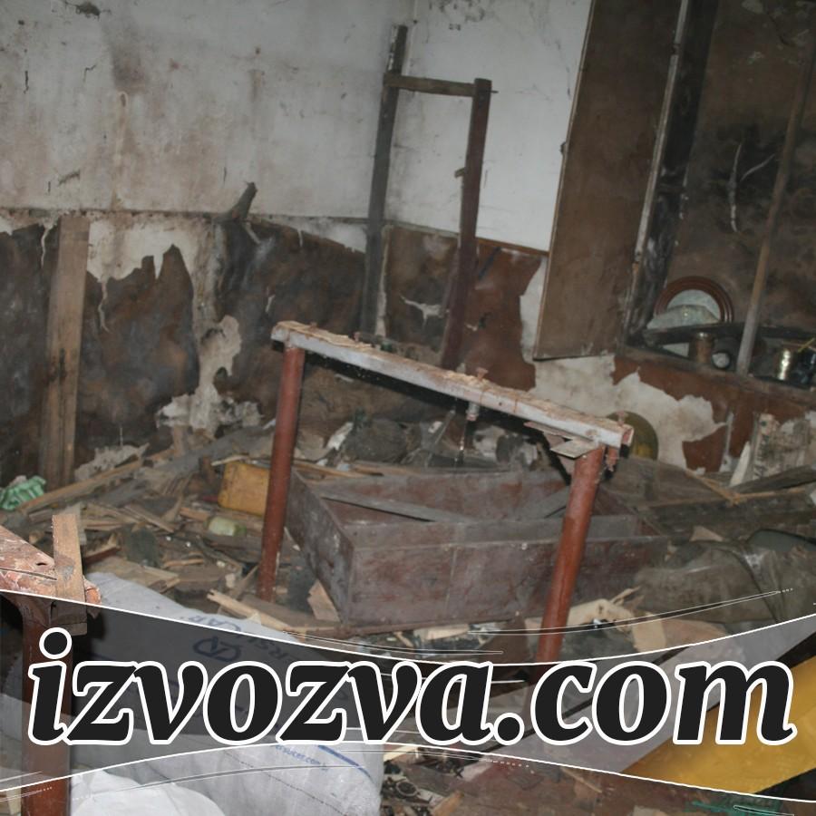 Разчистване на мазета и тавани с хамали за извозване на боклук